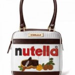 In stile Pop Art la borsetta Gilli Nutella Cube