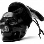 Gli accessori rivestiti di pelle della designer Natalia Brilli