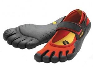 """La forma """"a piedone"""" rispetta l'ergonomia del piede"""
